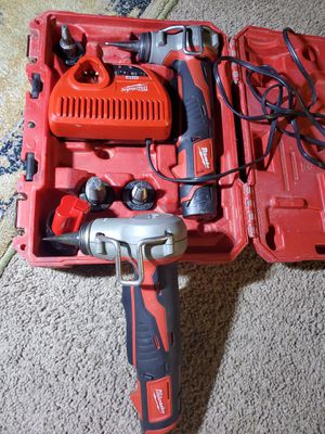 Spansores Milwaukee m12 con doble makina for Sale in Alexandria, VA