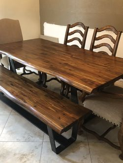 Dining Set Hooker Solid Wood Table for Sale in Riverside,  CA