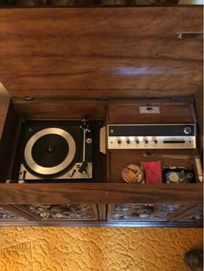Vintage 1968 Scott Stereo/Record Player Cabinet for Sale in Livonia, MI