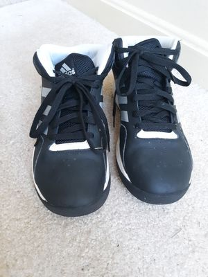 Adidas size 6.5 boys for Sale in Fort Meade, MD