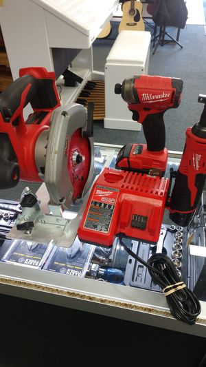 """Milwaukee Cordless Tool Kit 18V Circular Saw and Fuel Surge Impact Driver with 12v 3/8"""" Power Ratchet Includes 1 12v and 1 18v Battery for Sale in Chula Vista, CA"""