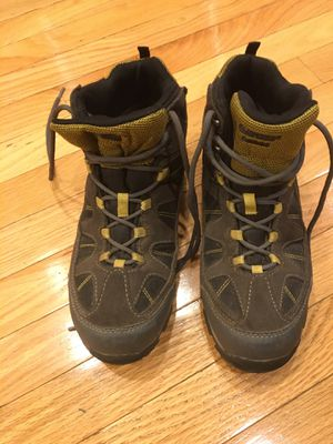 Hi-Tec Youth Altitude Lite i Waterproof Hiking Boots , size 6, barely used for Sale in Washington, DC