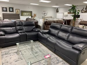 GORGEOUS MODERN SOFA/LOVE W/RECLINERS for Sale in Miami Gardens, FL