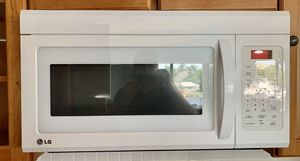 Microwave ( above range) with Fan / Filter for Sale in Oakland Park, FL