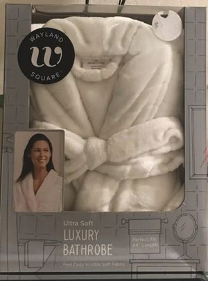 "Wayland Square Ultra Soft Luxury Bathrobe One size fits most. 44"" length. New in box (Pick up only) for Sale in Springfield, VA"