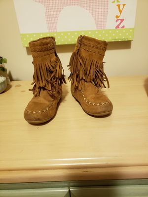 Size 10 moccasin girl boots for Sale in Atlanta, GA