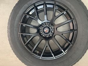 Rims 18 inch with tire like new ( 245 / 60 / 18) for Sale in Atascocita, TX
