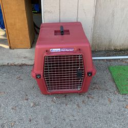 Medium Petmate Pet Porter Kennel for Sale in Yakima,  WA