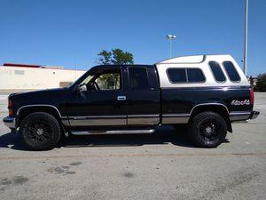 1998 Chevy K1500 Silverado V8 5.7L 4x4 for Sale in Chicago, IL