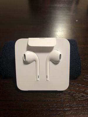 APPLE ORIGINAL!! Wired Earphones Headphones Earbuds For iPhone 8 7 6 6S Plus X XR XS for Sale in Miami Lakes, FL
