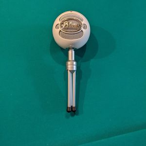 Blue Snowball Ice streaming mic for Sale in Columbia, MO