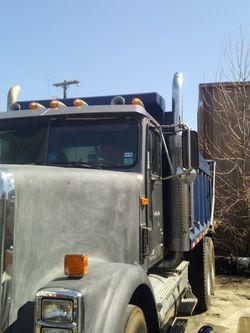 International Dump Truck Listo Para Trabajar for Sale in Dallas,  TX
