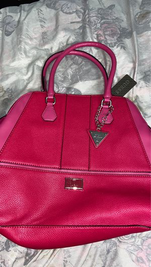 Guess hand bag for Sale in Passaic, NJ