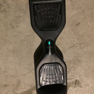 Hoverboard comes with charger and hoverboard cover for Sale in South Euclid, OH