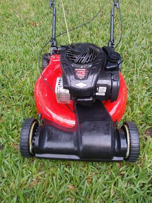 Lawnmower lawn mower yard machine start right up excellent conditions front wheel drive self propelled. for Sale in Hollywood, FL
