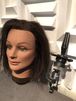 100% human hair practice mannequin and clamp for Sale in Kansas City, MO
