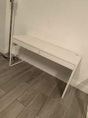 Vanity desk for Sale in Los Angeles, CA