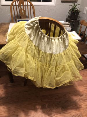 Authentic Vintage Yellow Petticoat pouf tulle skirt S M L for Sale in Tacoma, WA