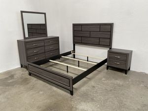 Queen size bedroom set FINANCE AVAILABLE for Sale in Phoenix, AZ