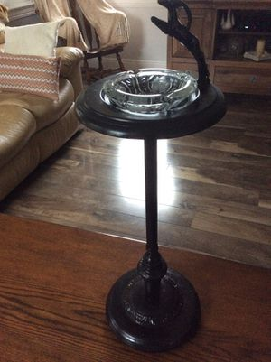 Vintage standing floor ashtray, tall vintage ashtray. 30 inches tall for Sale in Jupiter, FL