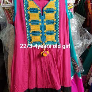 Girls Dress Size22/ 3-4 Yers Old for Sale in Woodbridge, VA