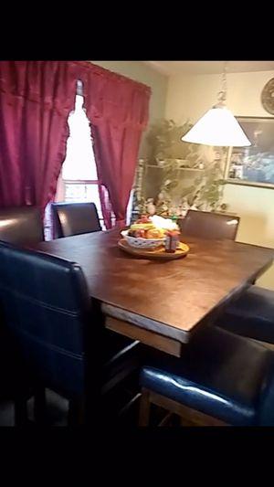 Breakfast/ Dinner table for Sale in Snellville, GA