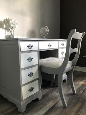 Redesigned Jr Executive Desk w/Chair for Sale in Lockport, IL