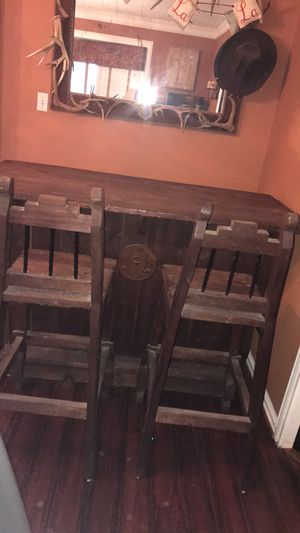 Rustic distressed wood Bar with two Bar stools for Sale in Duncanville, TX