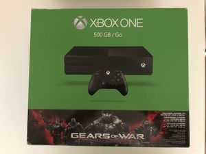 XBOX ONE- 500 GB, with controller and free headset for Sale in Arlington, VA
