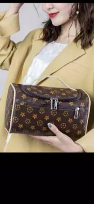 Louis vuitton women make up bag for Sale in North Olmsted, OH
