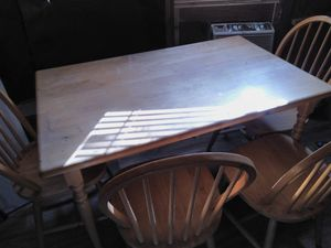Kitchen table and chairs for Sale in Houston, TX