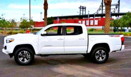 2O17 Toyota Tacoma for Sale in Baltimore,  MD