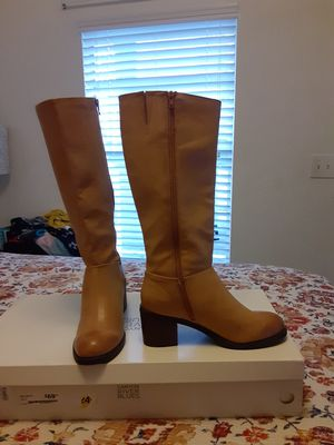 Boots size 8 1/2 for Sale in Jacksonville, FL