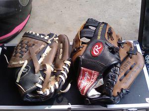 2 like new kids baseball gloves for Sale in Tustin, CA