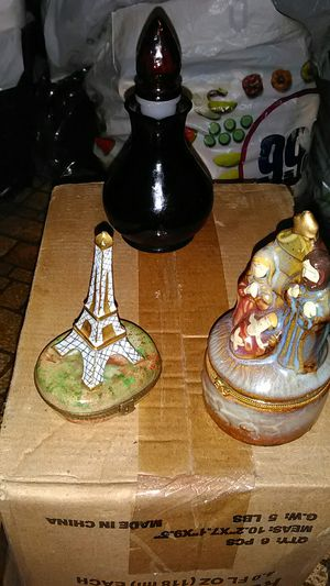 Antique pill boxes Effial Tower stamped 1901 and Nativity SceneAnd Dark RedAvon Bottle for Sale in Lakewood, CA