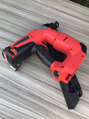 Milwaukee M18 FUEL 18V Brushless Cordless 15g Angled Finish Nailer (Tool Only) $215 for Sale in Los Angeles, CA