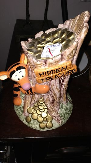 Tigger treehouse piggy bank for Sale in St. Petersburg, FL