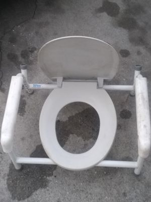 Portable Toilet for Sale in Rosemead, CA
