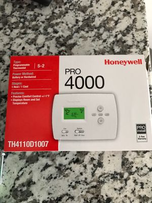 Honeywell 4000 thermostat Brand New for Sale in Pleasant Ridge, MI