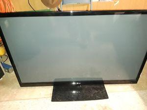 60 inch LG HDTV model 60pk540 plasma tv for Sale in Sumner, WA