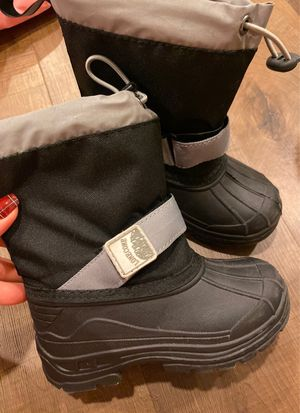 Snow Boots Toddler 8 for Sale in Henderson, NV