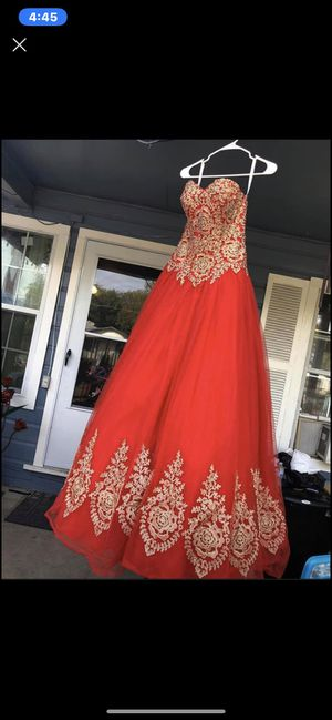 Quinceañera or Wedding dress size 4 red gold 🌹 roses for Sale in San Antonio, TX