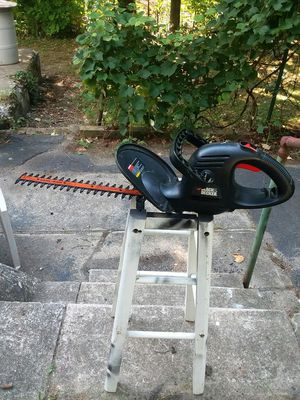 Trimmers branch or bush hedge electric for Sale in Harwinton, CT