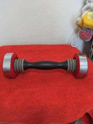5 LB Toning Shake Weight (Red) for Sale in Wichita, KS