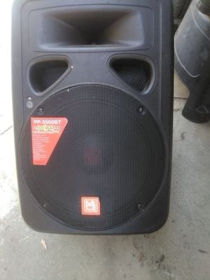 Professional speaker amp with stand for Sale in Hacienda Heights, CA