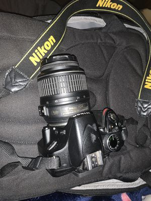 Nikon D3200 with 18-55mm lens for Sale in Los Angeles, CA