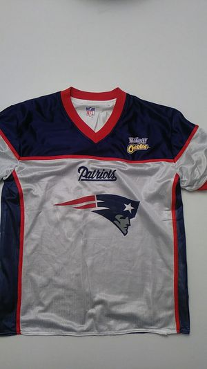 NE Patriots, Jersey shirt, Flag football Men's Medium for Sale in Puyallup, WA