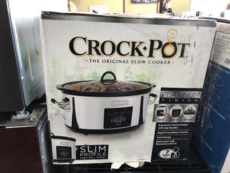 Slow cooker crock pot for Sale in Elmwood Park,  NJ