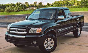 Beautiful Truck Toyota Tundra 05 4WDWheels for Sale in Washington, DC