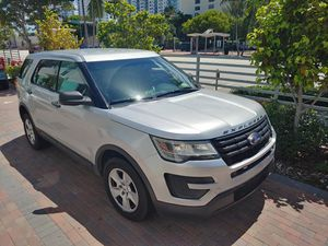 Ford explorer 2016 V6 AWD New Model! for Sale in Miami Beach, FL